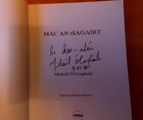 Ó Conghaile, Micheál  - Mac an tSagairt - PB An Chéad Chló - Sínithe SIGNED PB Gearrscéalta 1986 - As Gaeilge
