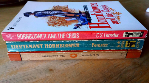 Forester, C.S - Lieutenant Hornblower, The Commodore  & Hornblower & The Crisis - 3 Book Lot - Vintage Paperbacks