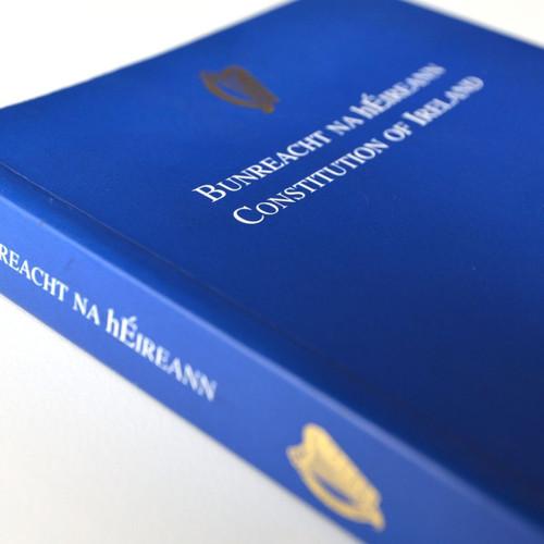 Bunreacht na hÉireann - Constitution of Ireland - PB BRAND NEW 2020  Edition
