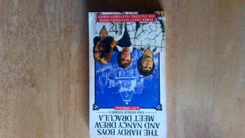 Larson, Glen A & Sloan, Michael - The Hardy Boys and Nancy Drew Meet Dracula - Vintage PB - Armada 1979