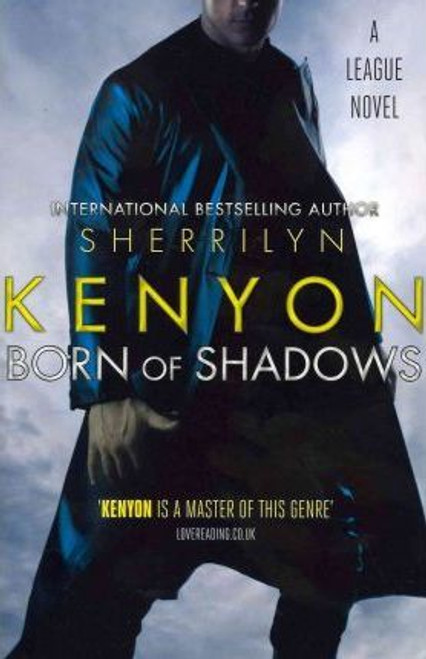 Kenyon, Sherrilyn / Born Of Shadows : Number 4 in series (Large Paperback)