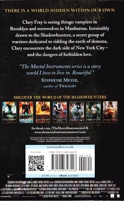 Clare, Cassandra / City of Bones (The Mortal Instruments, Book 1)