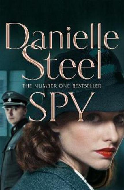 Steel, Danielle / Spy (Large Paperback)