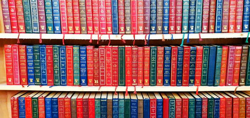 1 Meter of Uniform Sized, Reader's Digest books
