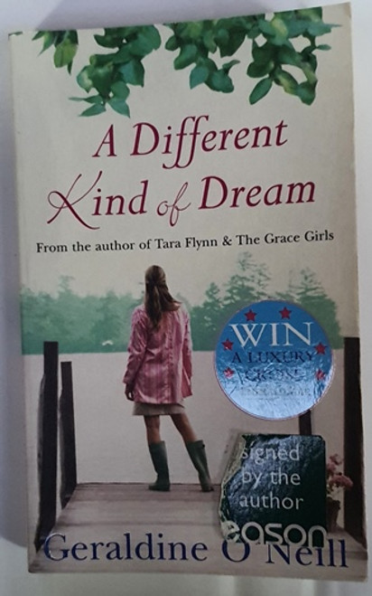 Geraldine O'Neill / A Different Kind of Dream (Signed by the Author) (Paperback) (1)
