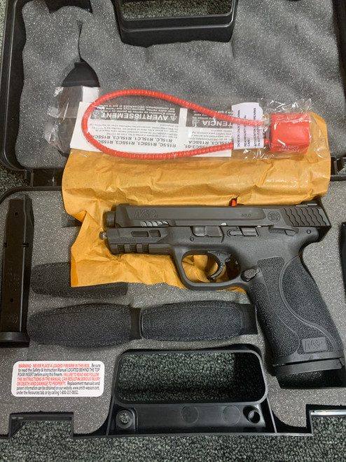 """Smith & Wesson LE M&P M2.0 Compact 40 S&W 4"""" 13+1 Black Armornite Stainless Steel Slide Black Interchangeable Backstrap Grip"""