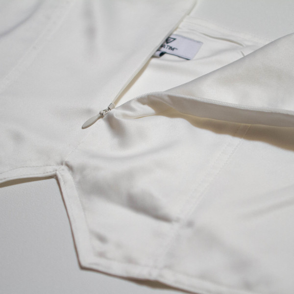 The Vratim Classic Crop Top - White detail