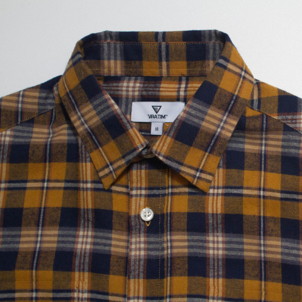 The Vratim Slim Flannel - Amber detail
