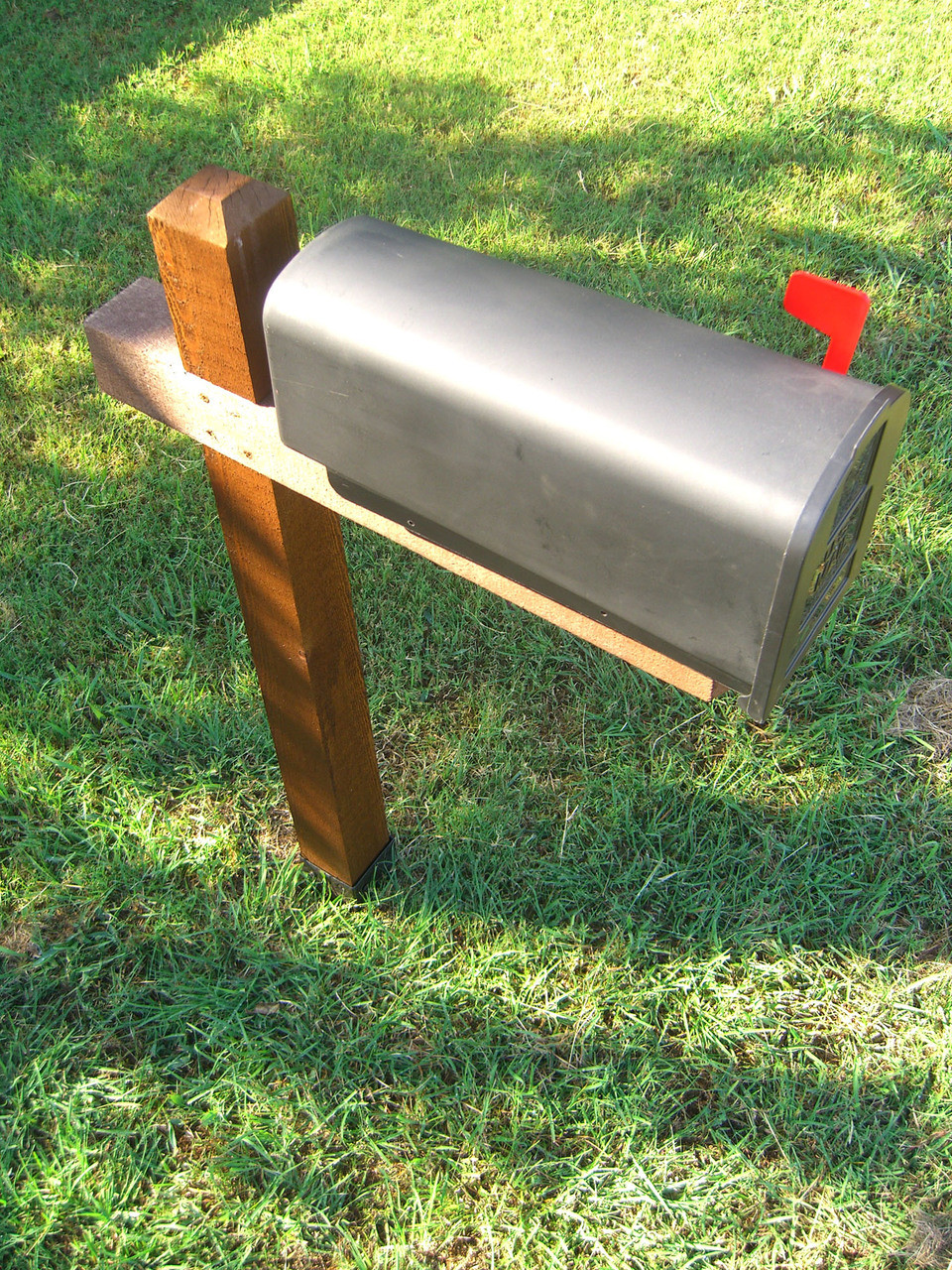 Mailbox Post installed with T4-600 OZ-Post Anchor