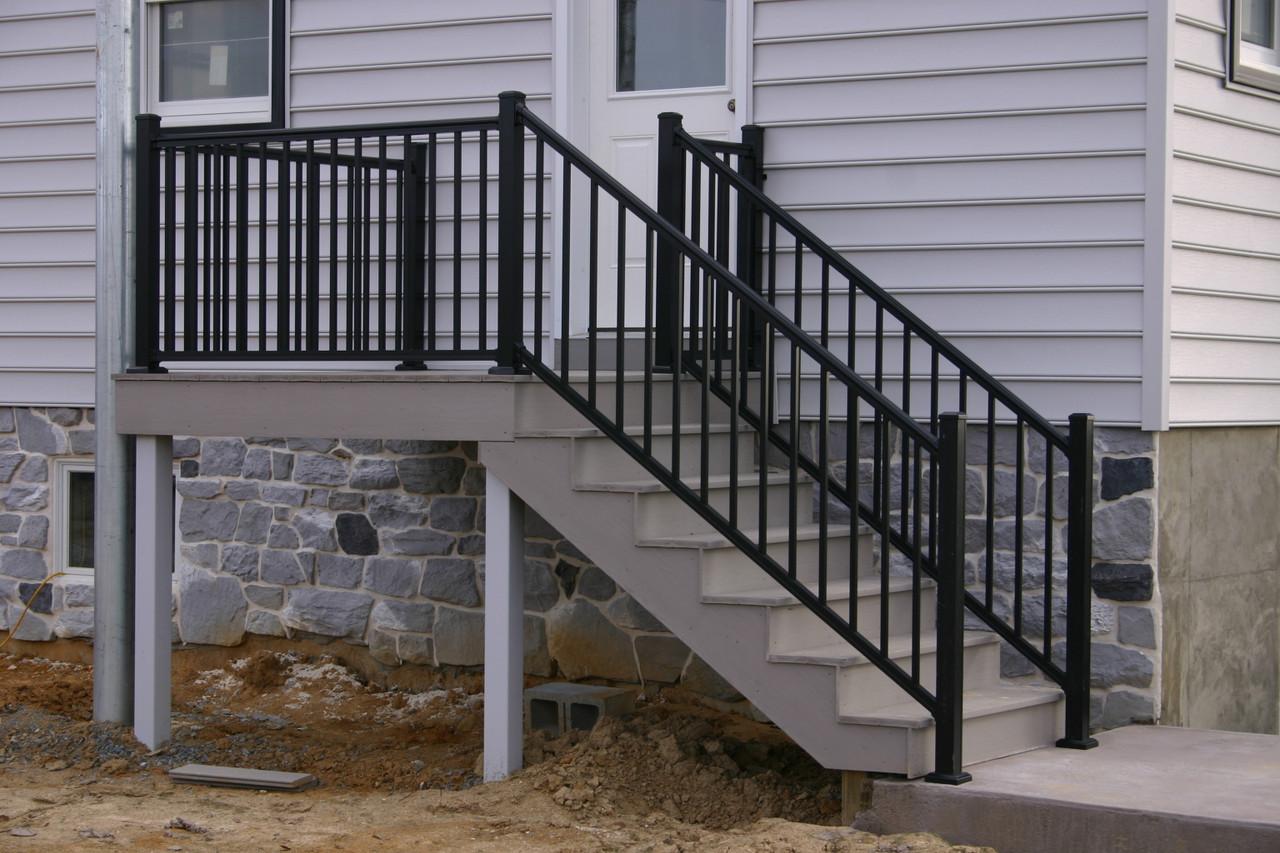 Key-Link Arabian Stair Railing on Outdoor Steps