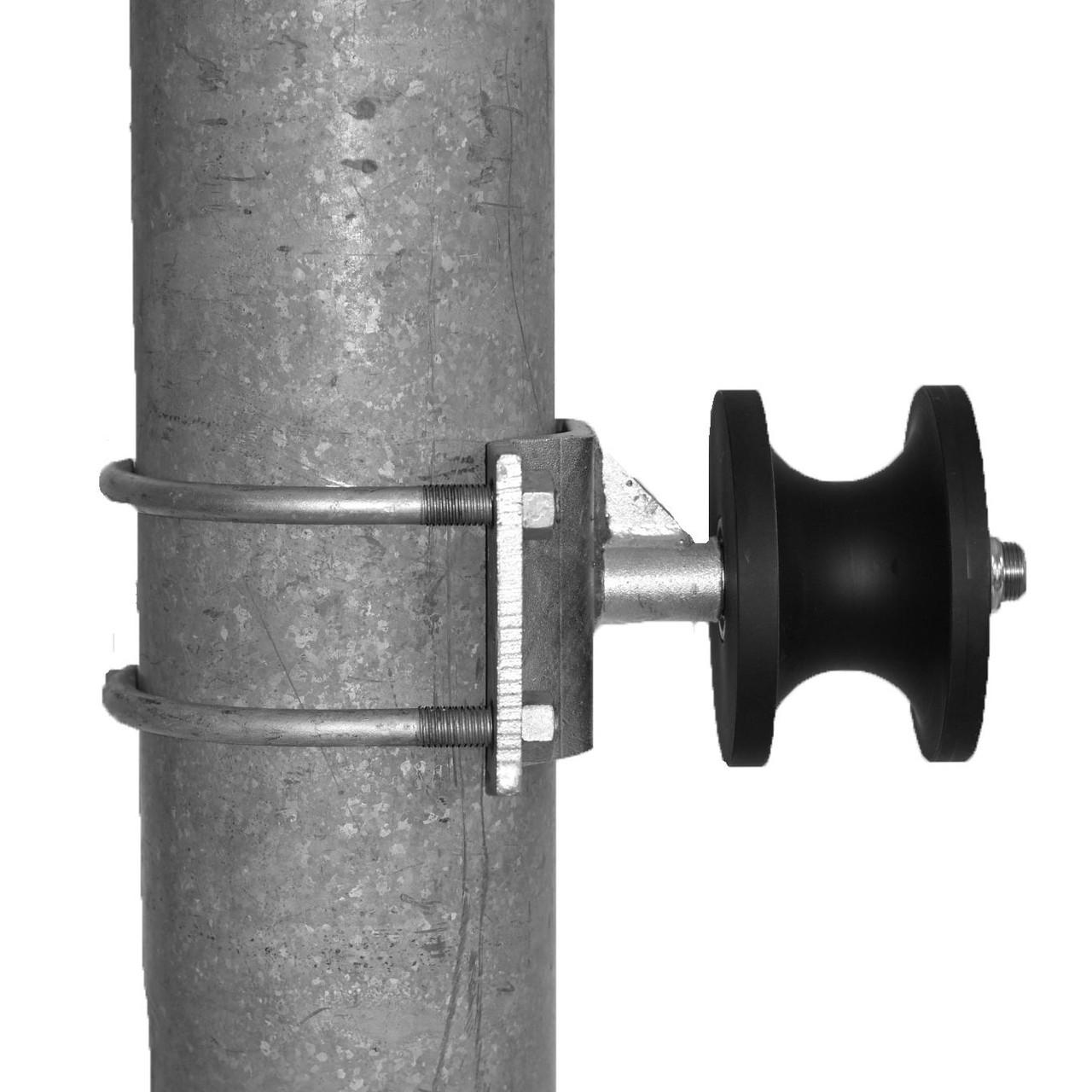 Stealth Round Cantilever Nylon Roller Around Galvanized Post