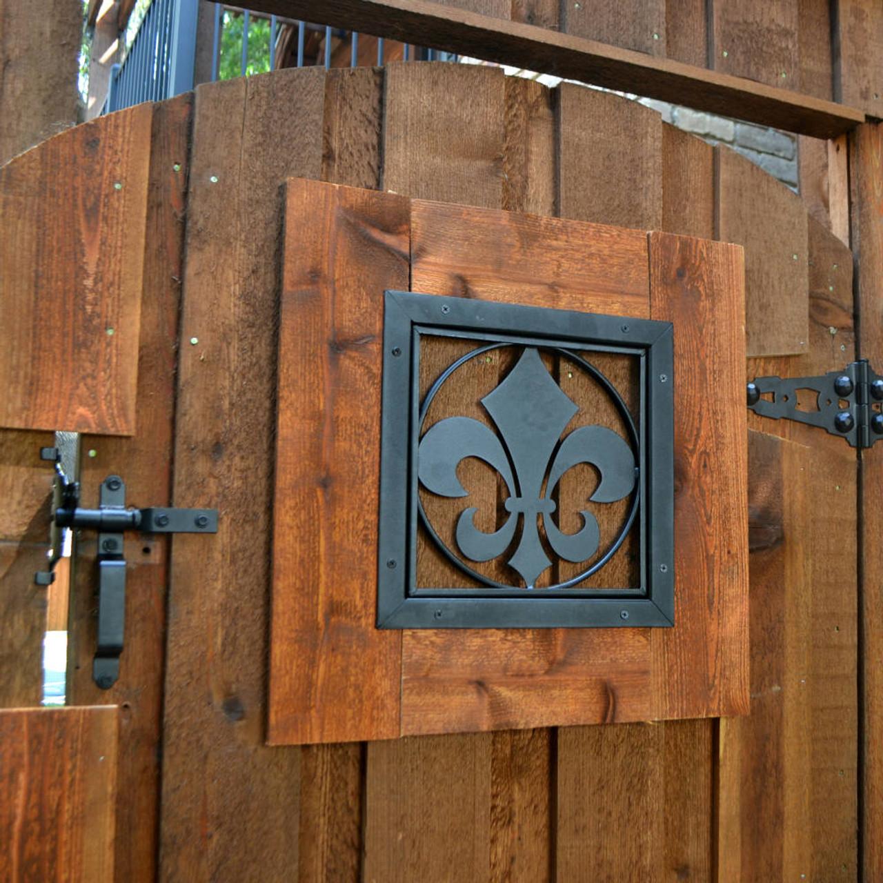 OZCO OWT Hardware Fleur-De-Lis Gate Accent Surface Mounted on Wood Gate