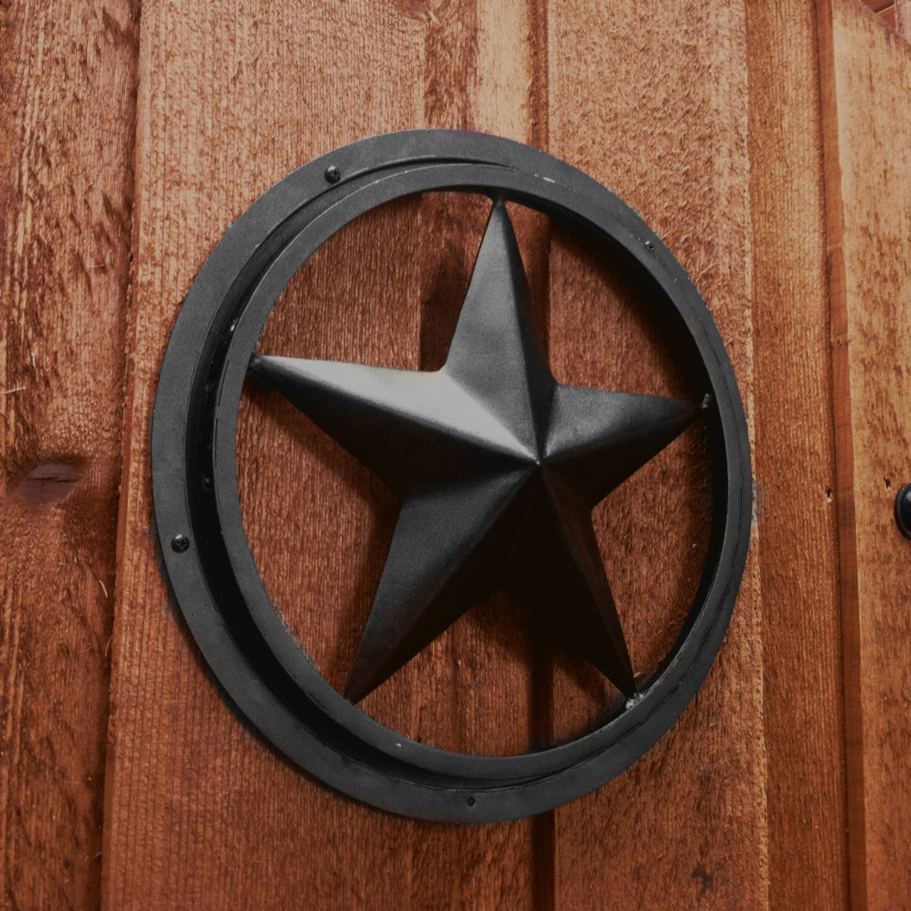 Star Accent without Frame Hung on the Exterior