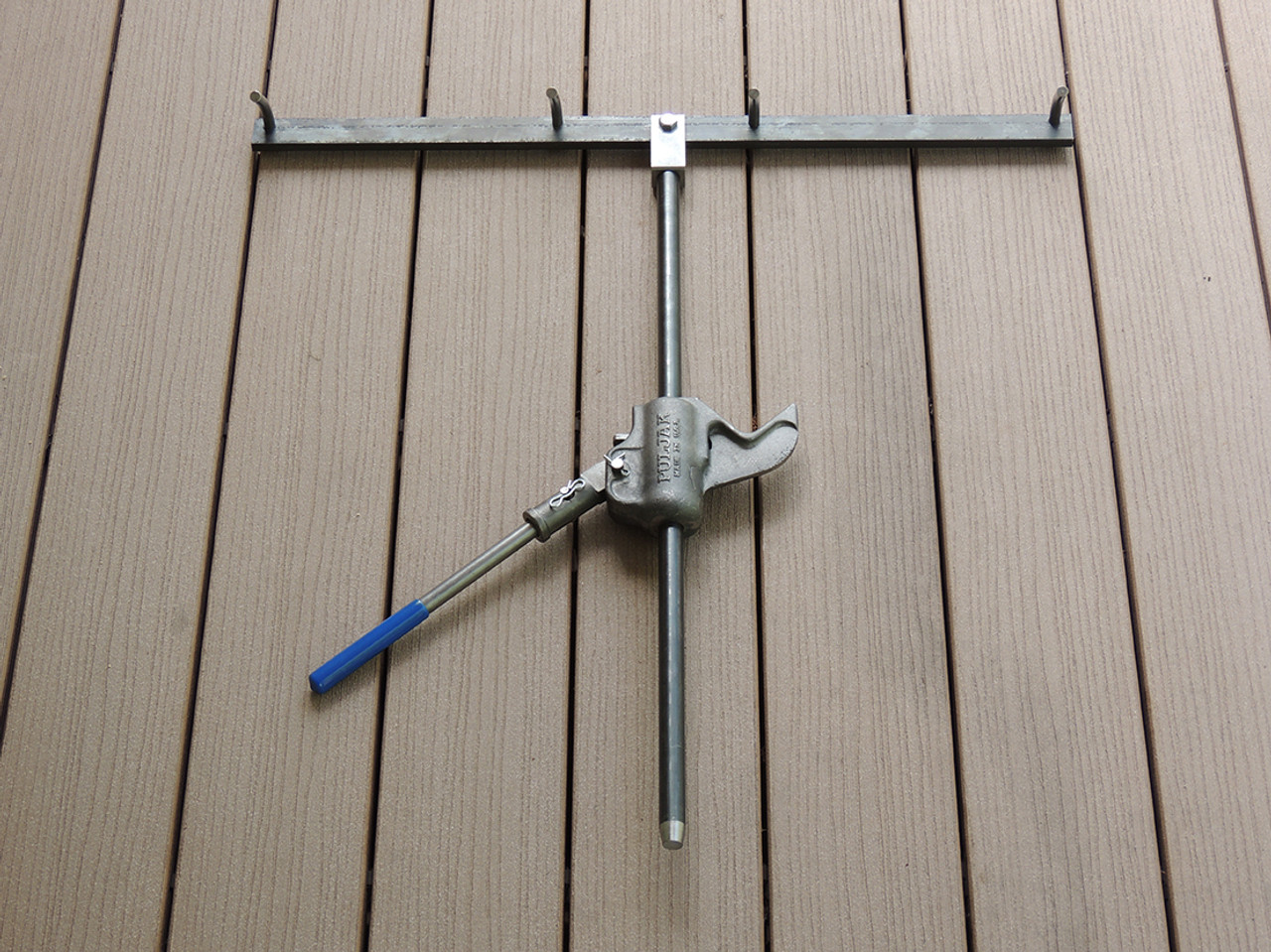 """PulJak Fence Puller with Type B Stretcher Head and 30"""" Hardened Steel Rod"""