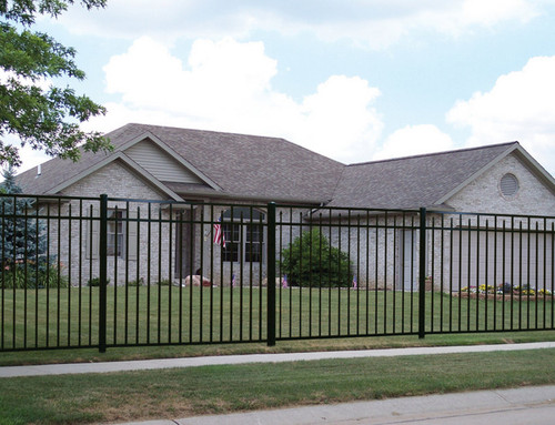 Regis 3233 Residential Flat Top Fence with Alternating Spear Point Pickets