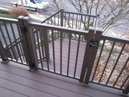Key-Link American Series Aluminum Railing Gate