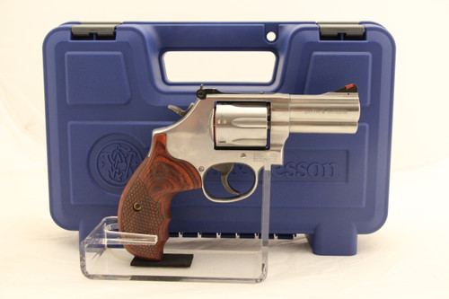 """Smith & Wesson 686 Plus 3"""" Rosewood Grips NEW"""