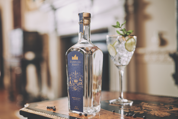 Downtown Abbey London Dry Gin 70CL, served