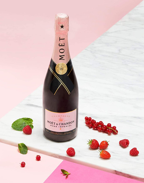 Moët & Chandon Rose Impérial NV, 75cl with red berries