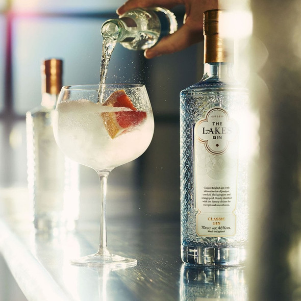 The Lakes Classic English Gin, 70cl perfectly served with Fever Tree Tonic Water