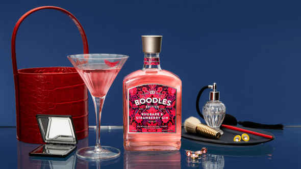 Boodles Rhubarb & Strawberry Gin, 70cl perfect for delicious cocktails