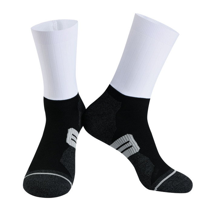 Urban+ Colours Coolmax Socks - white