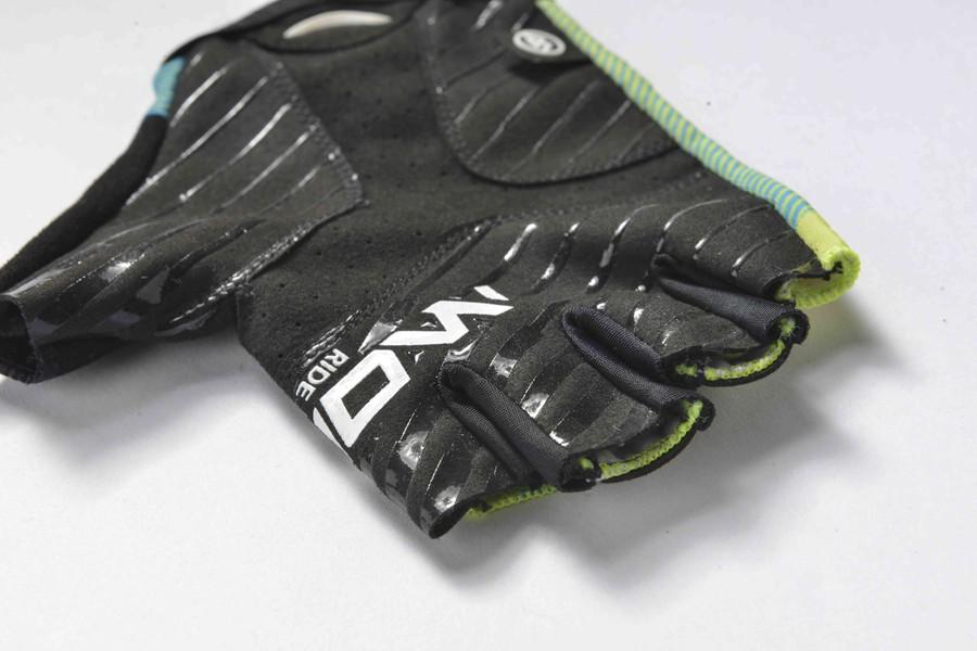 Urban+ 2018 Prato Half Finger green/blue Gloves
