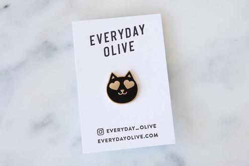 Heart Eyes Cat Pin