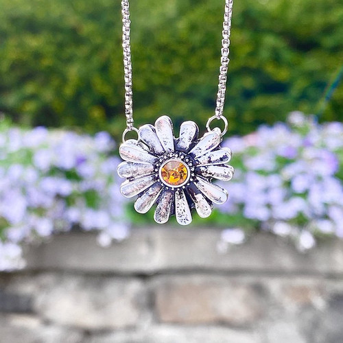 Daisy Necklace with Yellow Center