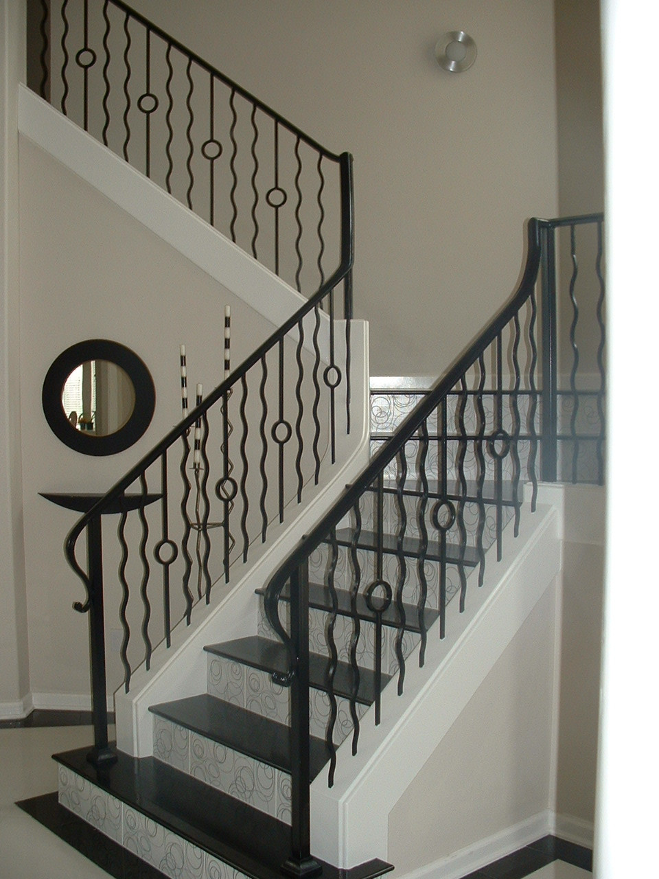 One Ring with Wavy Balusters