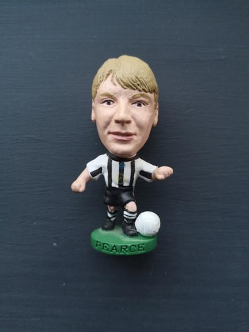 Stuart Pearce Newcastle United PL387 B Loose