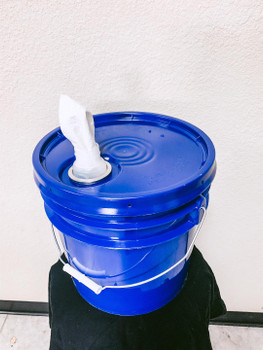 DRY WIPES + BUCKET DISPENSER, STARTER SET