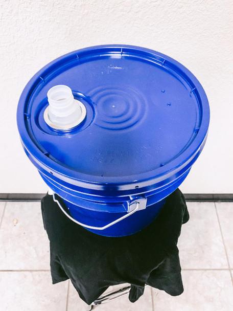 BUCKET WIPE DISPENSER, 3.5 gallon