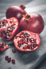 POMEGRANATE  Succulent notes of pomegranate and pear blend with pamplemousse, rose and exotic woods to capture the richness of the forbidden fruit.