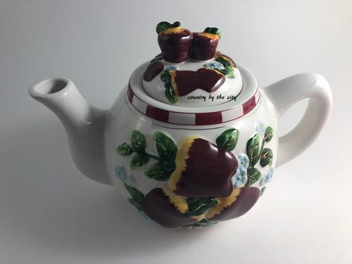 Apple Ceramic Teapot