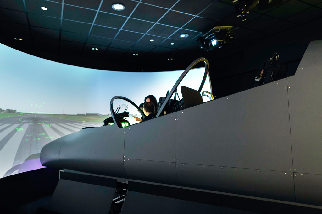 How Scent Enhances Flying Theatres and Simulators