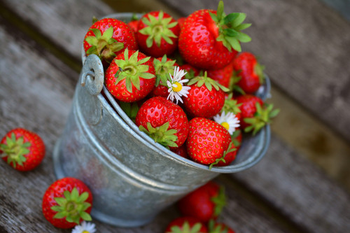 A sweet fruity aroma.