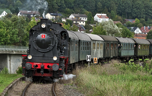 The nostalgic aroma of burning coal, steam and mechanics. For a thicker, more oil based scent see our Train Industrial Furnace aroma or for the more steamy aroma of a train passing by see out Train Smoke aroma.