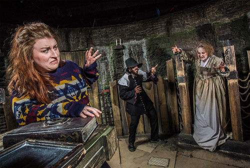 Released in collaboration with The Edinburgh Dungeon, The York Dungeon and The Blackpool Tower Dungeon, this is the fantastical musk witches, burning wood and pure dread, created for the well-known witch shows!