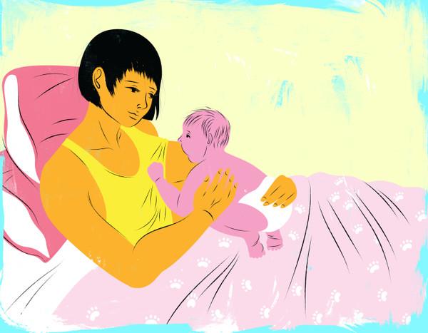 Breastfeeding in bed