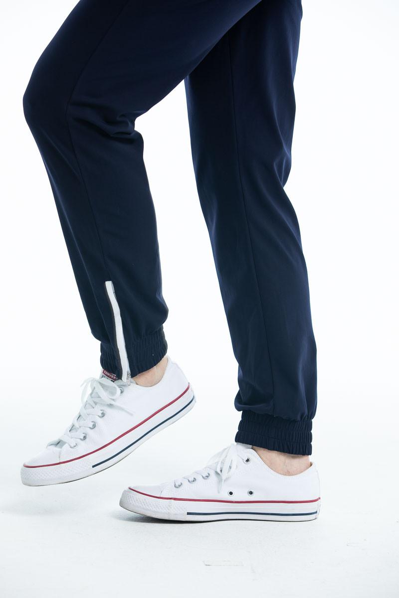 KINONA jogger pants closeup