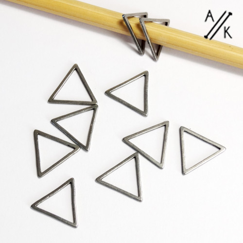 New! 6mm Triangle Stainless Steel Minimalist Ring Knitting Stitch Markers - Set of 10