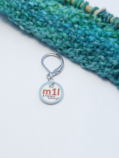 Make 1 Left  (shown with removable/6mm crochet clasp)
