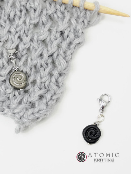 Grey & Black Swirl Knitting Progress Stitch Marker x 1