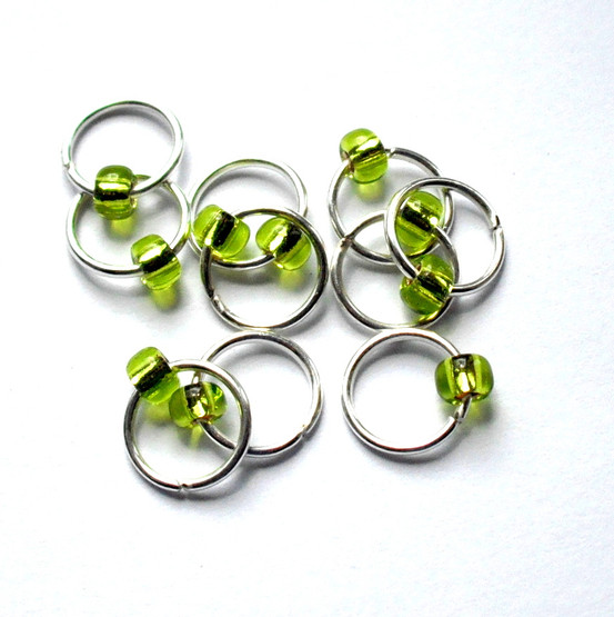 10 Apple Green Jewel Lace Markers 6mm