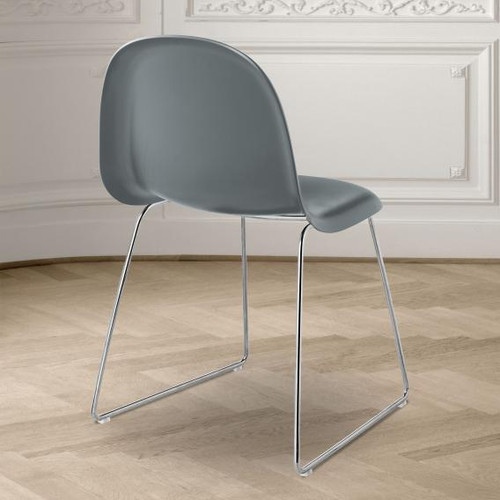 GUBI 3D chair with runners, plastic 31012 1041