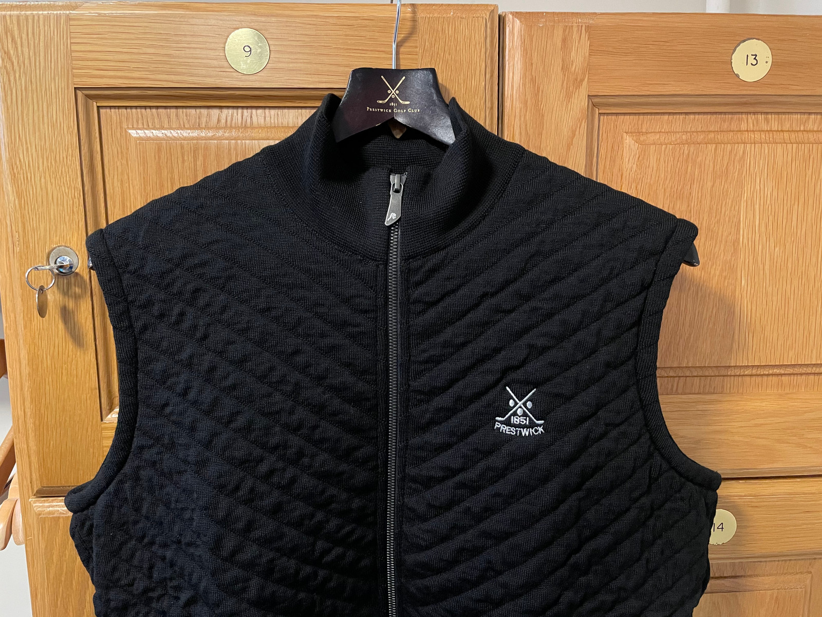 Ivanhoe Klemens Vest - Black