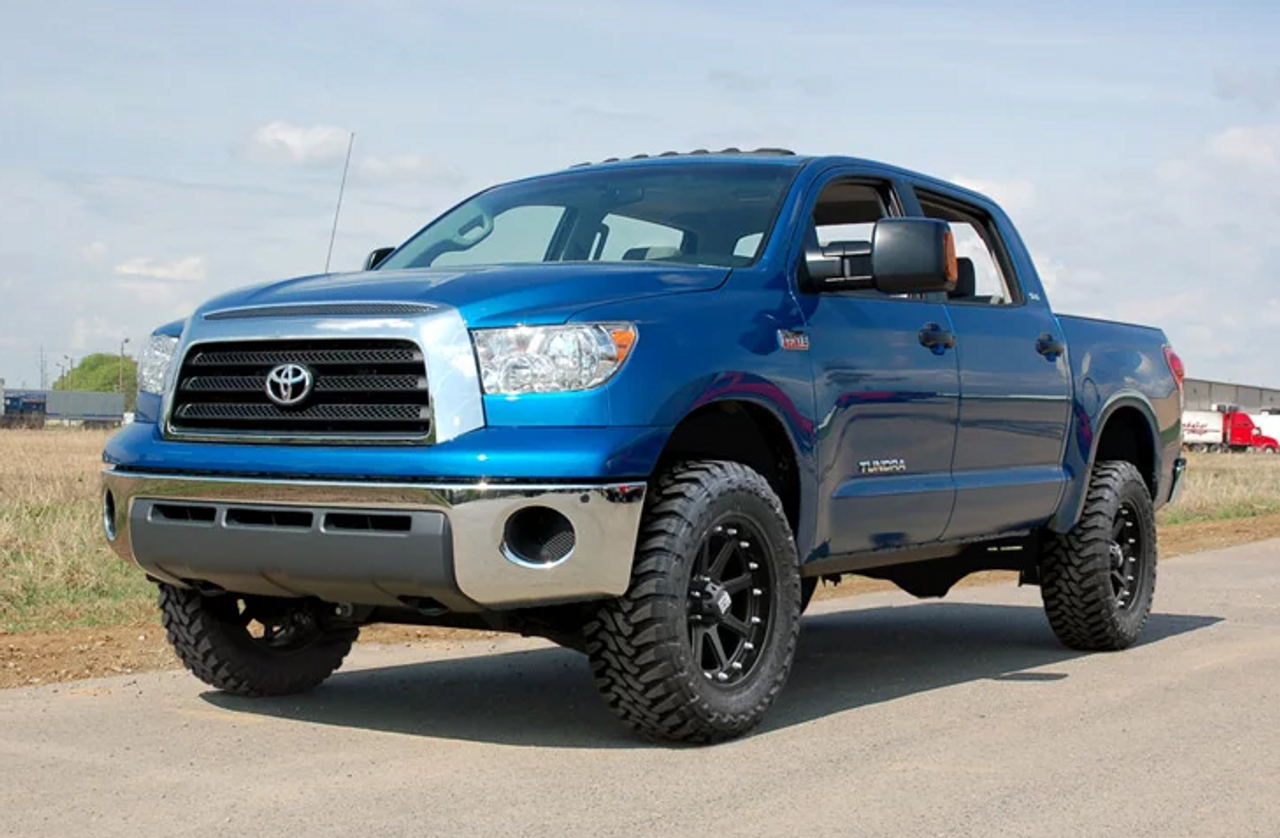 """Rough Country 75330 4.5"""" Suspension with Strut Spacers and N3 Shocks for Toyota Tundra 2007-2015"""