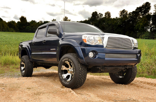 "Rough Country 74530 3"" Suspension Lift with Strut Spacers and N3 Shocks for Toyota Tacoma 2005+"
