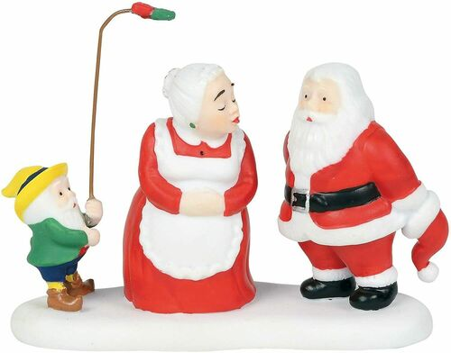 Department 56 North Pole Series - A Christmas Kiss